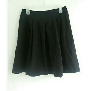 New York & Company Stretch Black Pleated Skirt